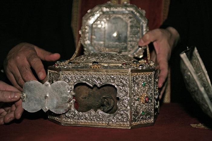 Златоуст получит  частицу мощей своего покровителя