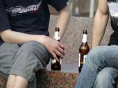 Златоустовцев предупредили о наказании за распитие спиртных напитков в общественных местах