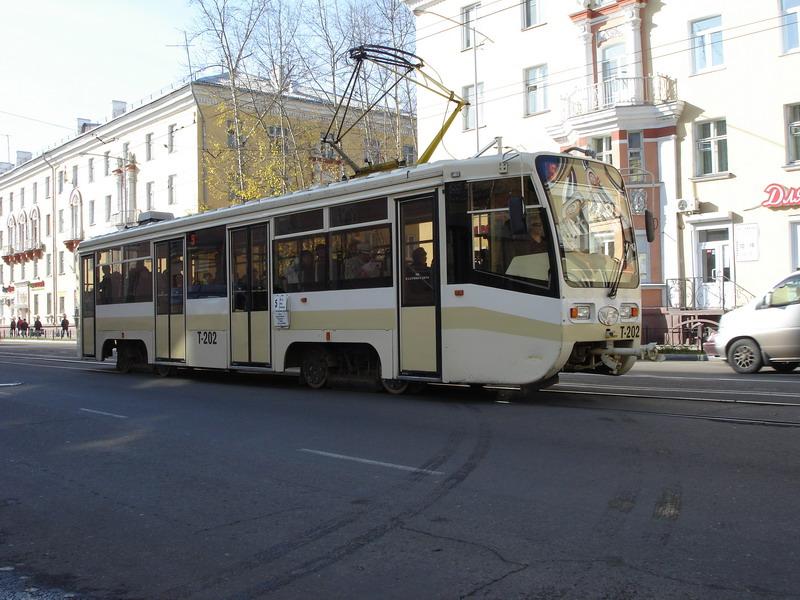В Златоусте на рельсы выехали новые трамваи